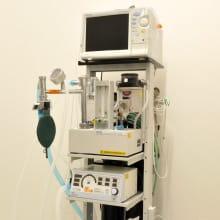 麻酔器・人工呼吸器 生体モニター 写真